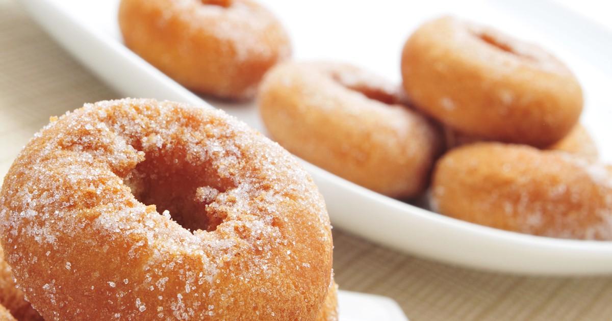 Фото Банановые пончики могут стать легким и сытным завтраком или вкуснейшим десертом.