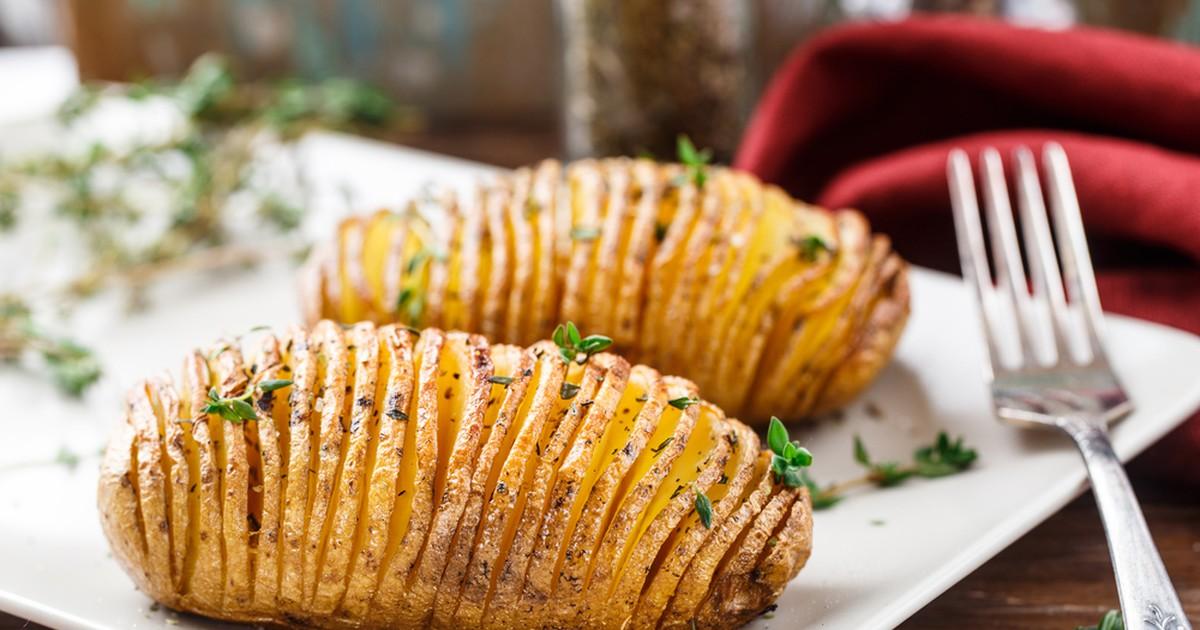 Фото Такую картошку Гармошку запеченная в духовке не стыдно подавать на праздничный стол в виде нарядного гарнира!
