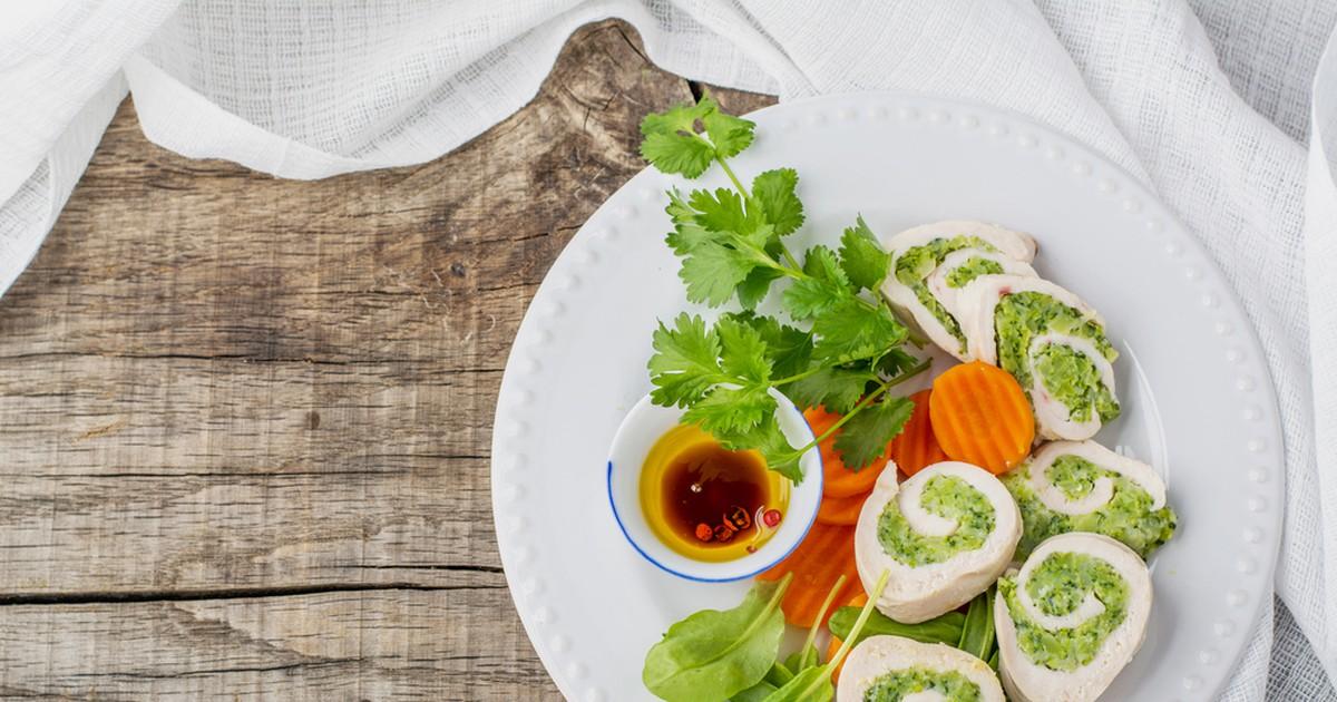Фото Куриные рулетики, фаршированные овощами