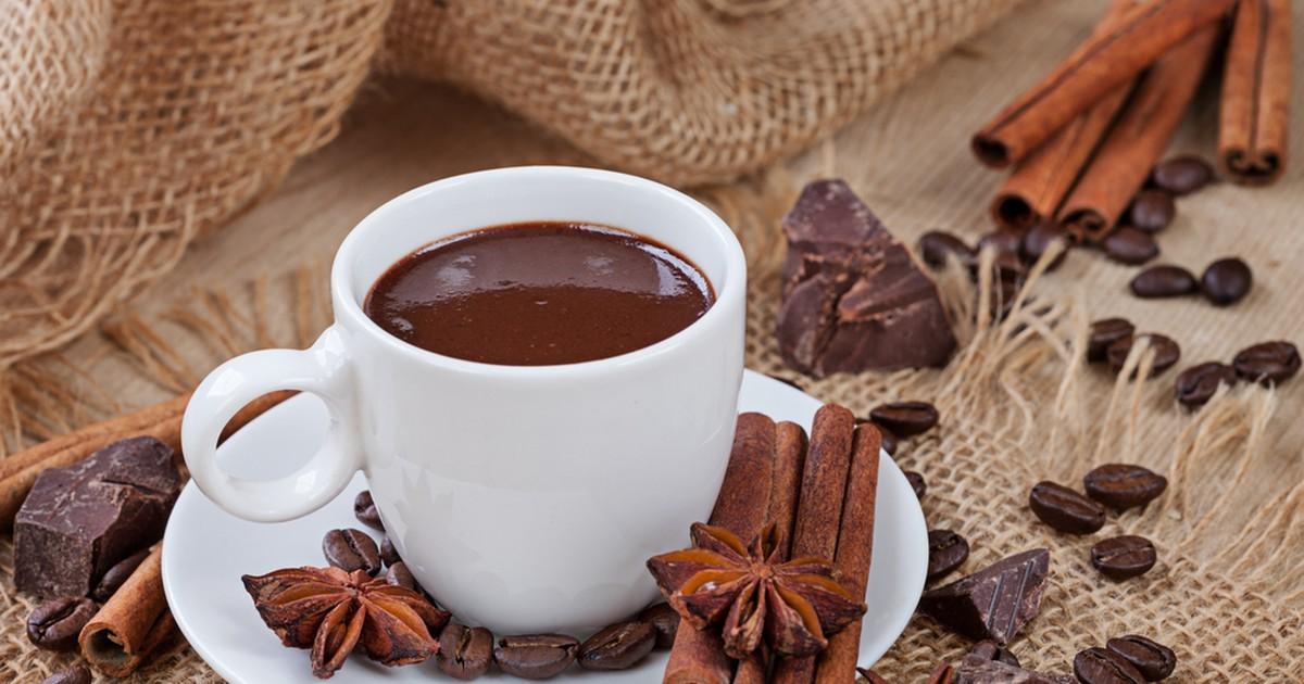 Фото Горячий шоколад с виски и пряностями