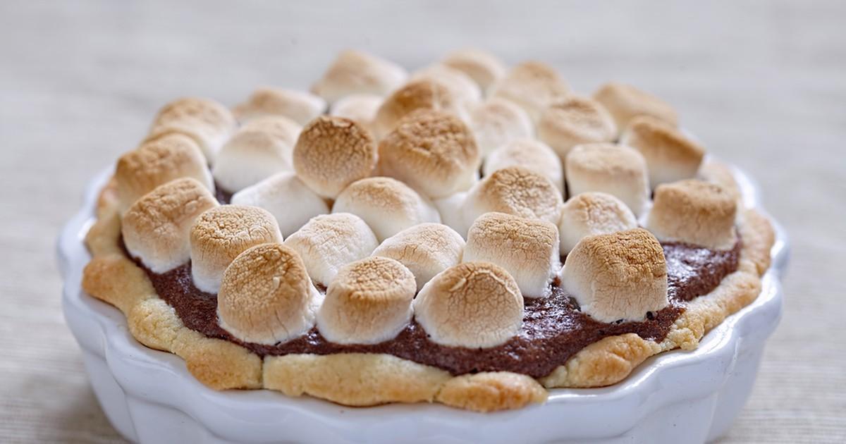 Фото Шоколадный торт с маршмеллоу