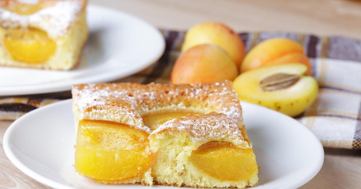 Фото Бисквитный абрикосовый пирог