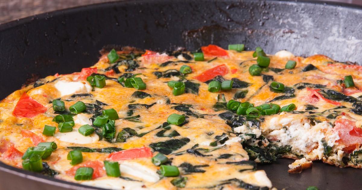 Фото Фриттата по-испански отлично подойдет в качестве сытного завтрака или легкого обеда. Блюдо невероятно вкусное и аппетитное и хорошо сочетается с разными соусами. Не пропустите!