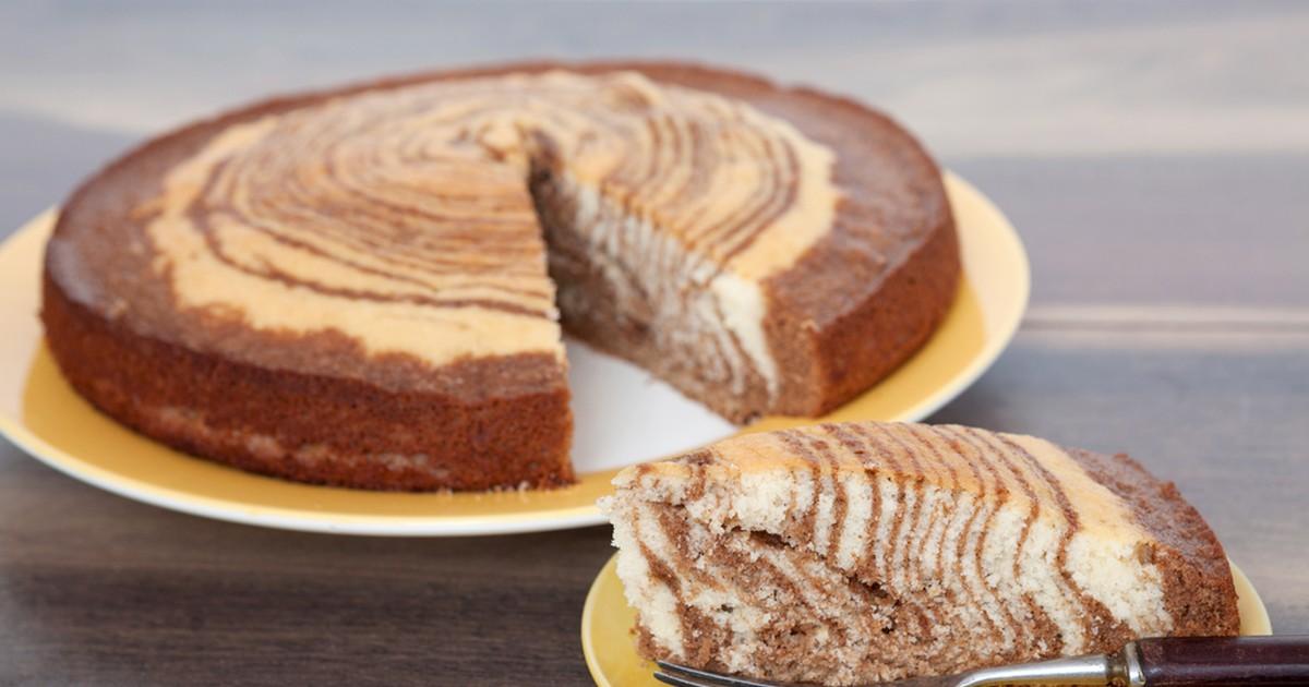 Фото Начнем с того, что данный торт просто очень красивый с виду, а если его попробовать, то он еще и безумно вкусный. Порадует глаз, украсит любой праздник и просто поднимет настроение! Торт прост в приготовлении, не требующий особенной кухонной утвари
