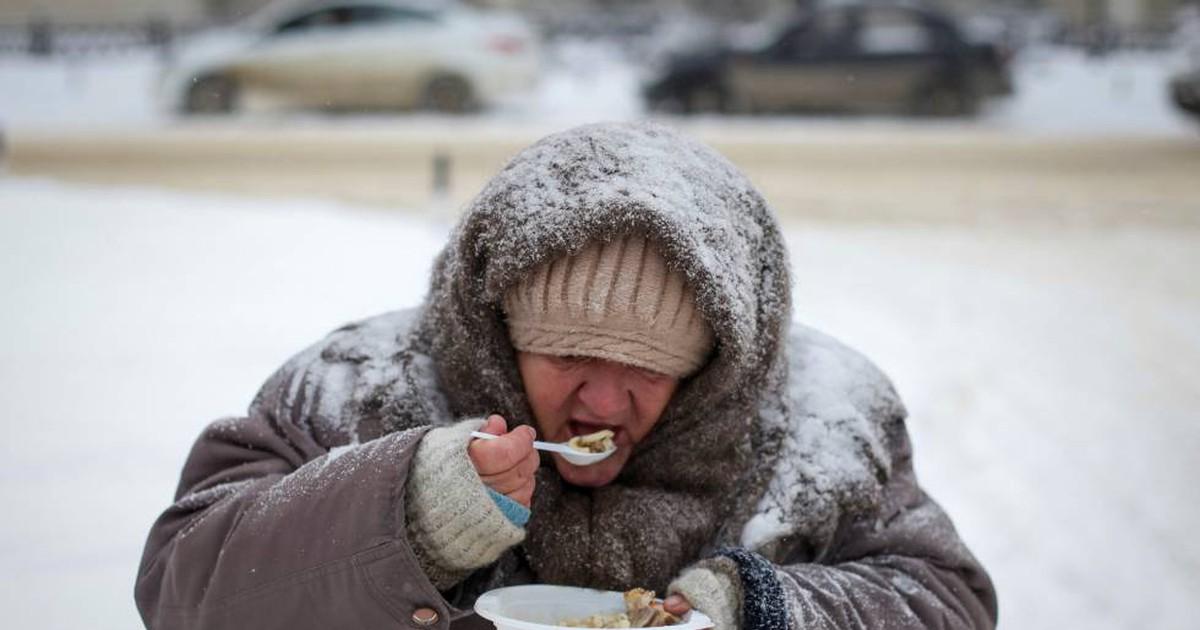 Photo of Pobreza encurta a vida mais que obesidade, álcool e hipertensão