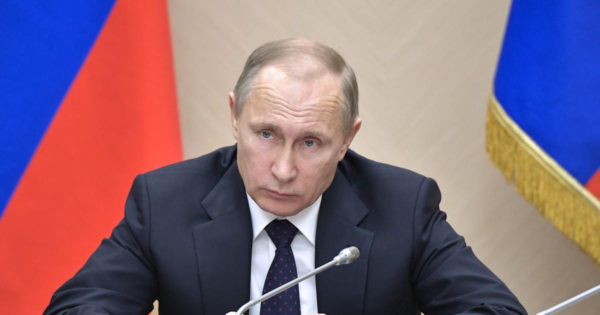 Фото Путин снял с должностей 16 генералов МЧС, МВД и СКР