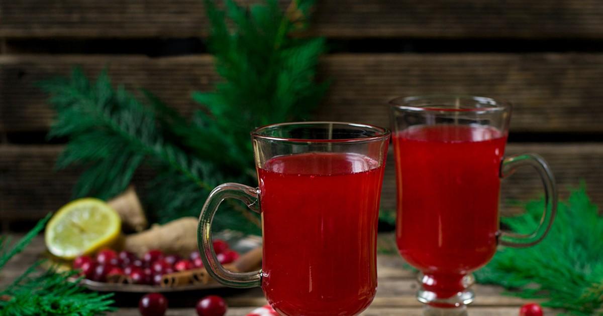 Фото Горячий клюквенный напиток с ромом