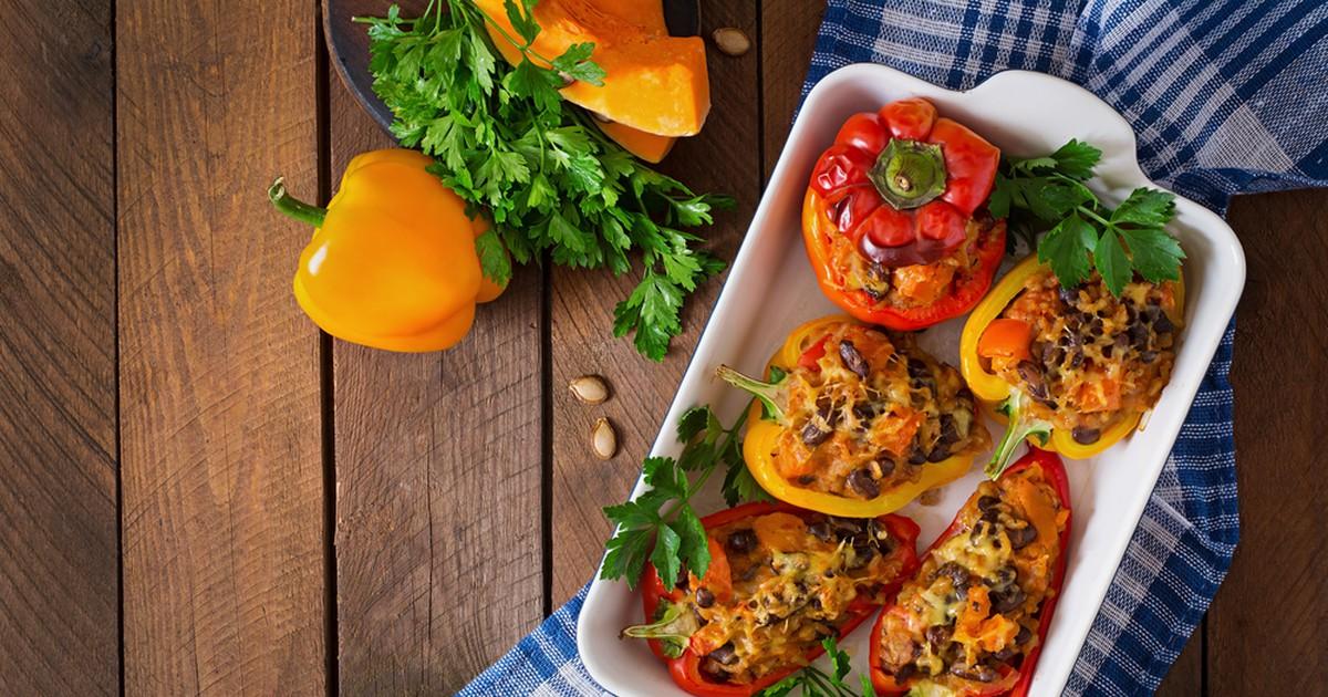 Фото Фаршированный сладкий перец с мясом и овощами