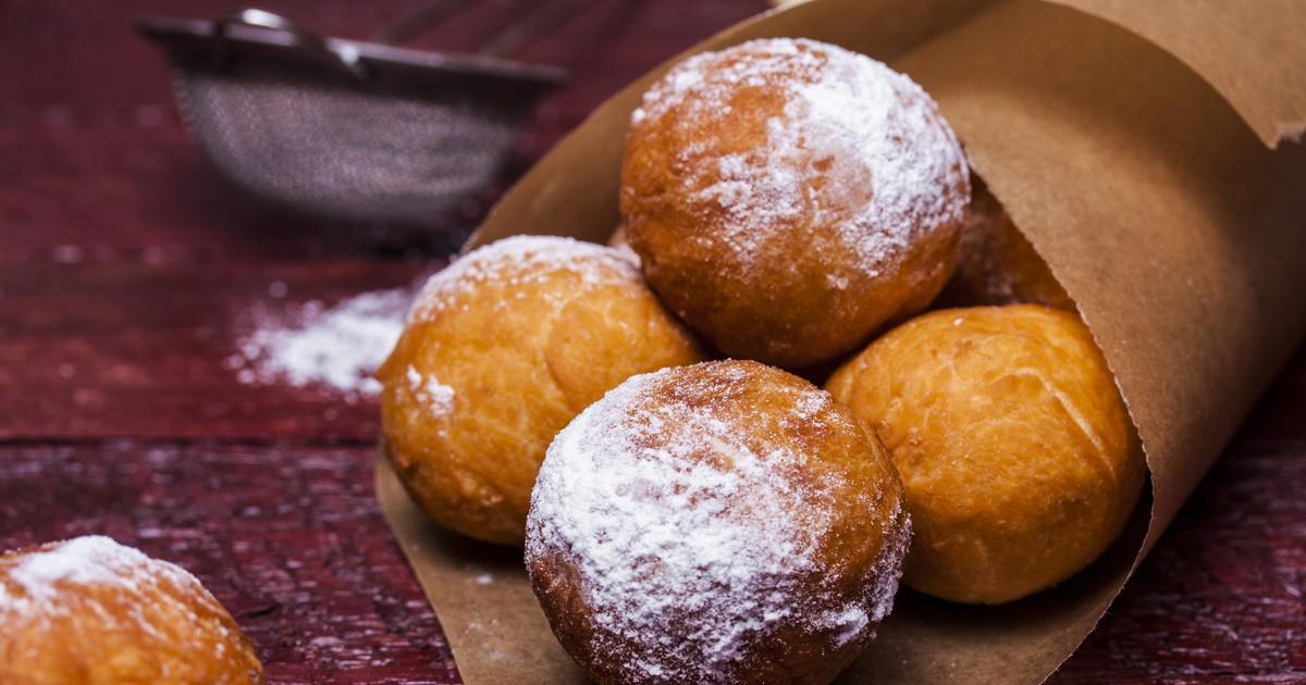 Фото Творожные пончики напоминаю детство и окутывают теплыми воспоминаниями. Предлагаем вам прямо сегодня приготовить их вместе с нами. Пончики получаются воздушными, вкусными и ароматными.