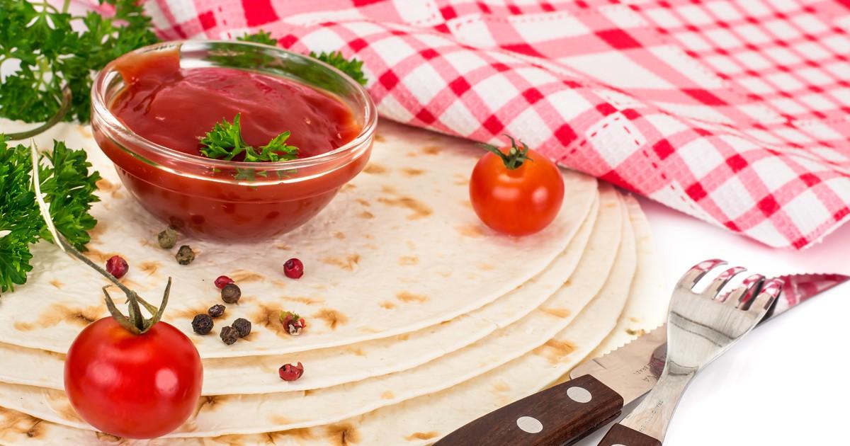 Фото Армянский лаваш используется во многих рецептах. Его любит каждая хозяйка за его универсальность. Но не всегда покупной лаваш надлежащего качества. Поэтому мы подготовили для вас рецепт приготовления армянского лаваша дома. Уж он точно будет вкусным
