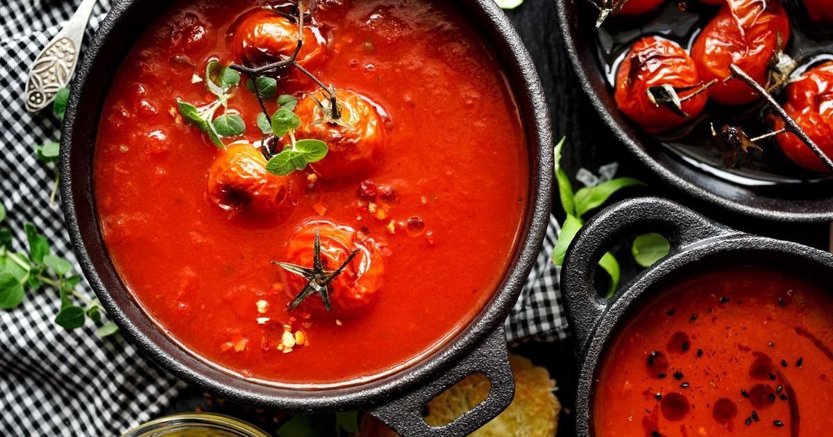 Фото Томатный суп разнообразит привычные первые блюда и отлично подойдет для тех, кто придерживается поста. Вкус очень мягкий и насыщенный. Давайте приготовим вместе.