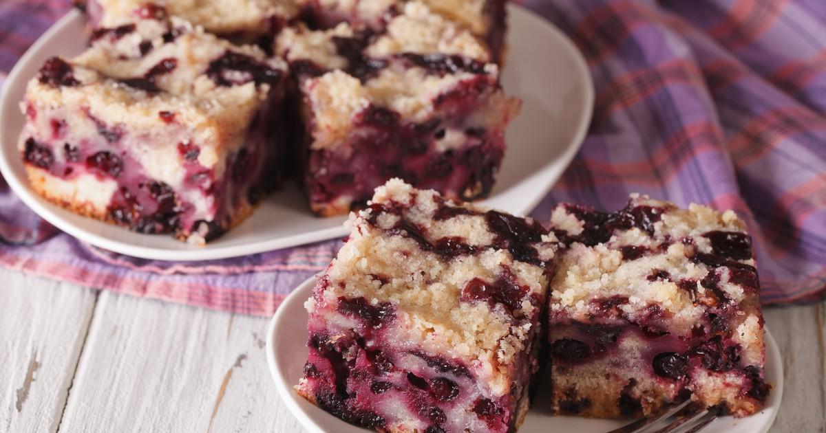 Фото Быстрый пирог с замороженными ягодами