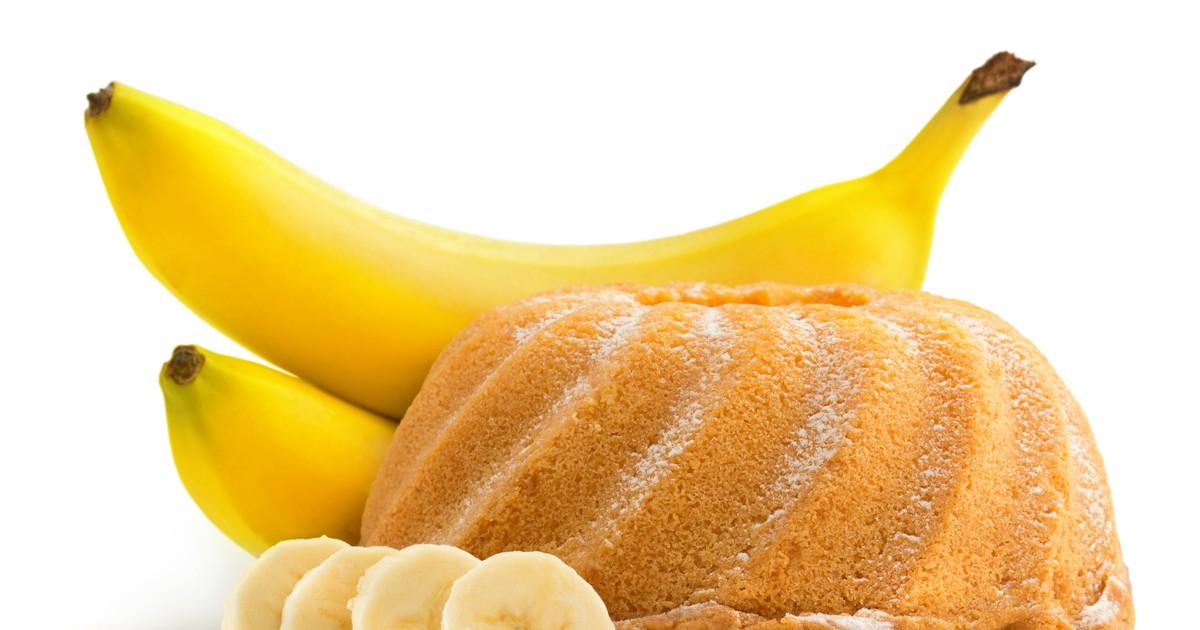 Фото Хочется чего-то вкусненького с чашечкой чая и в домашней обстановке? Бананово-ореховый пирог станет желанным гостем на вашем столе. Начинка из освежающего лимона, кисленького апельсина и сладкого банана станет отличным дополнением нежного и в меру