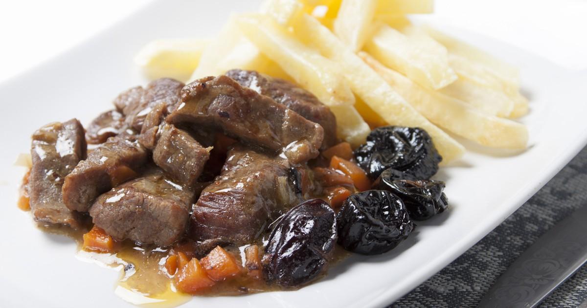 Фото Мясо с черносливом