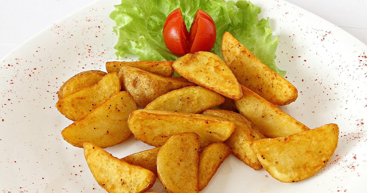 """Фото Предлагаем вам рецепт ароматной картошки """"Айдахо"""". Печеную картошку с хрустящей золотистой корочкой можно подать как в качестве гарнира, так и в качестве закуски, она универсальна и сочетается практически со всем!"""