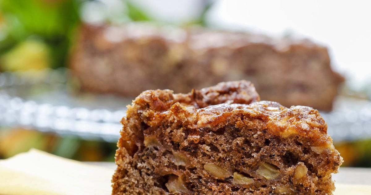 """Фото Блюдо из серии """"минимум продуктов - максимум результата""""! Все продукты точно есть у Вас дома или продаются в соседнем магазине. Гости и домашние оглянуться не успеют, как на столе уже нежный и ароматный ореховый пирожок."""