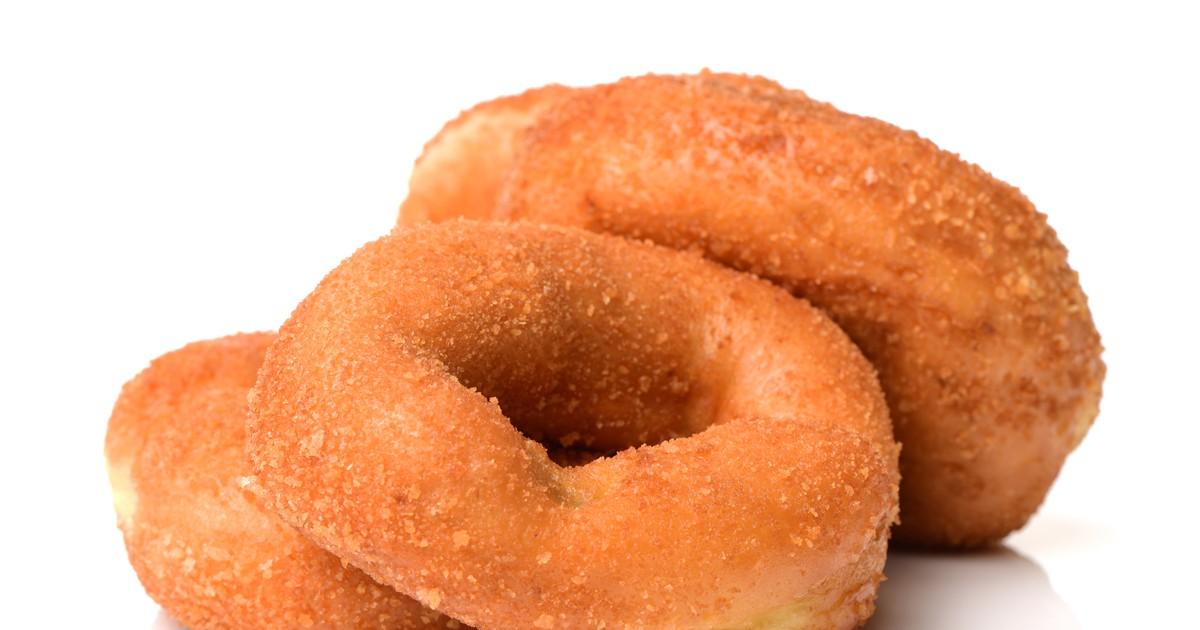 Фото Вкуснейшие пончики станут отличным завтраком для всей семьи, а если подавать их со сметаной или джемом, так вообще пальчики оближешь!