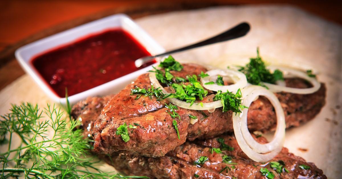 Фото Люля-кебаб на мангале или в духовке (рецепт+секрет приготовления, чтобы он не разваливался)