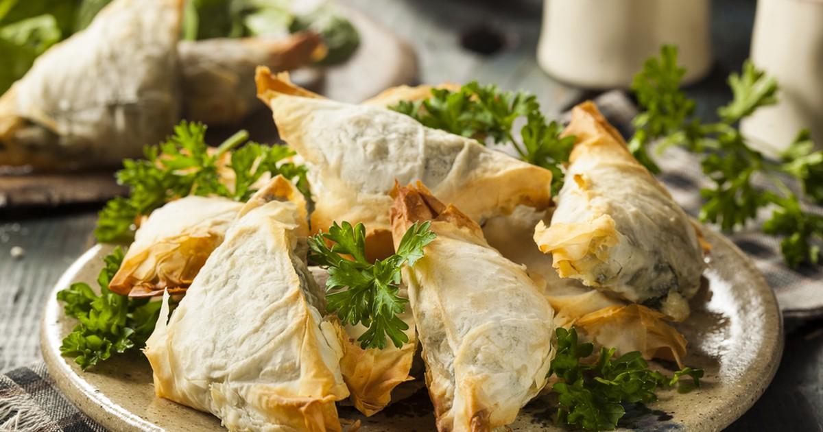 Фото Треугольники из лаваша с сыром на сковороде