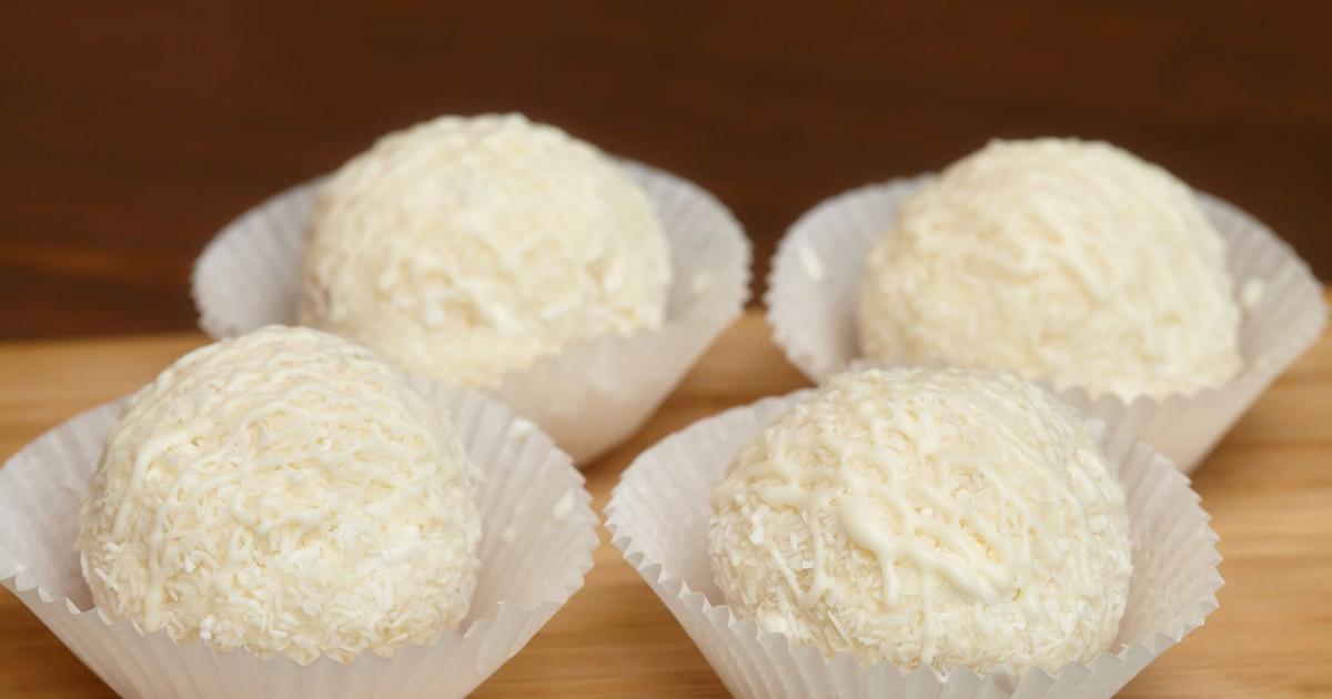 Фото Очень ленивый и очень быстрый рецепт домашних кокосовых конфеток. Все будут просто поражены вашей изобретательностью!