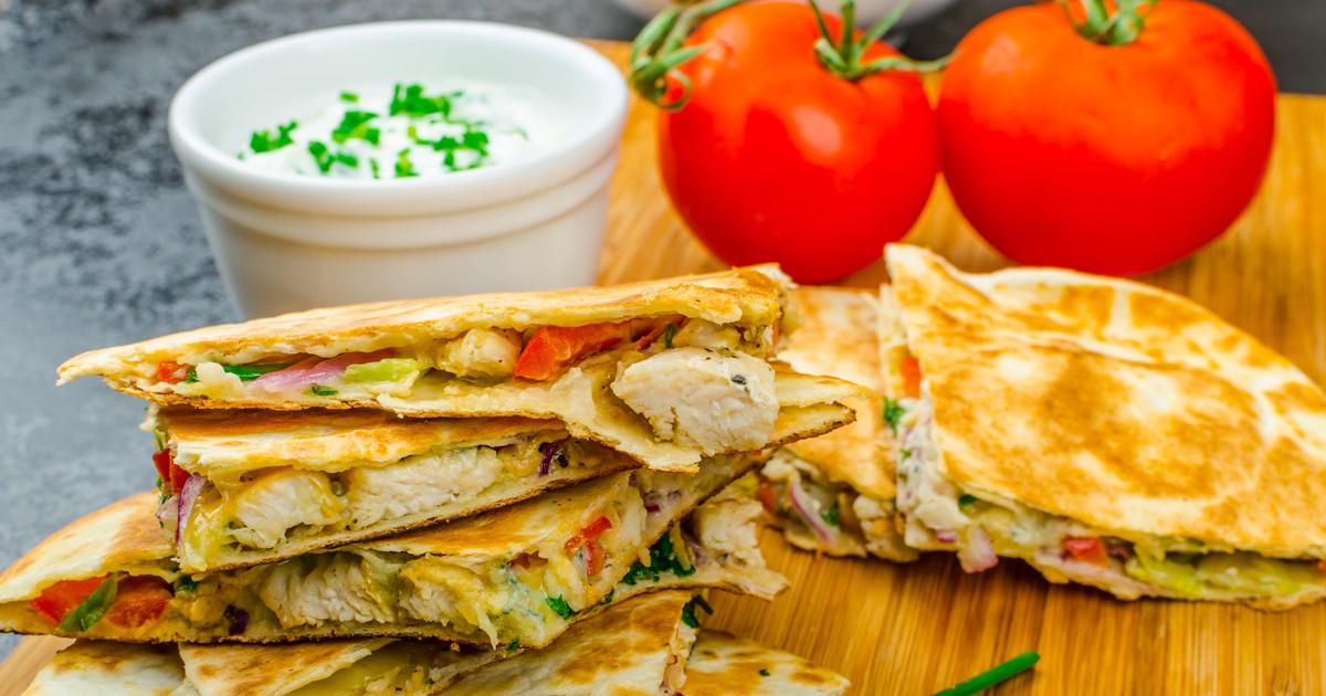 Фото Кесадилья с курицей и сыром