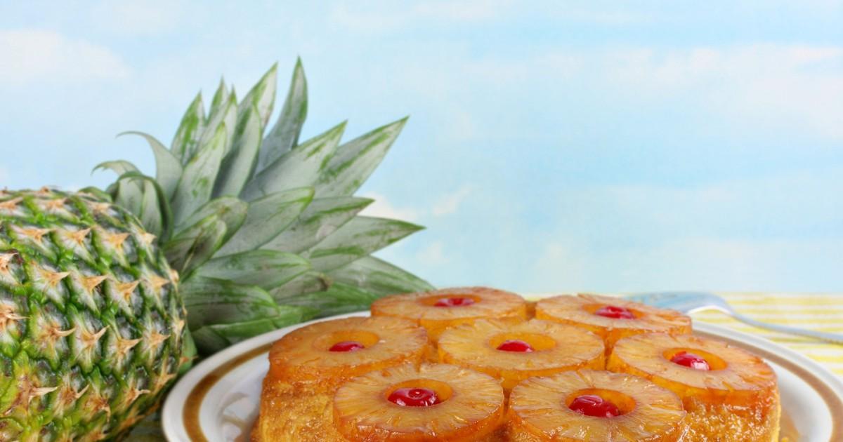 Фото Ананасовый пирог –  вкусная выпечка с летней экзотической ноткой, которая понравится детям и взрослым.