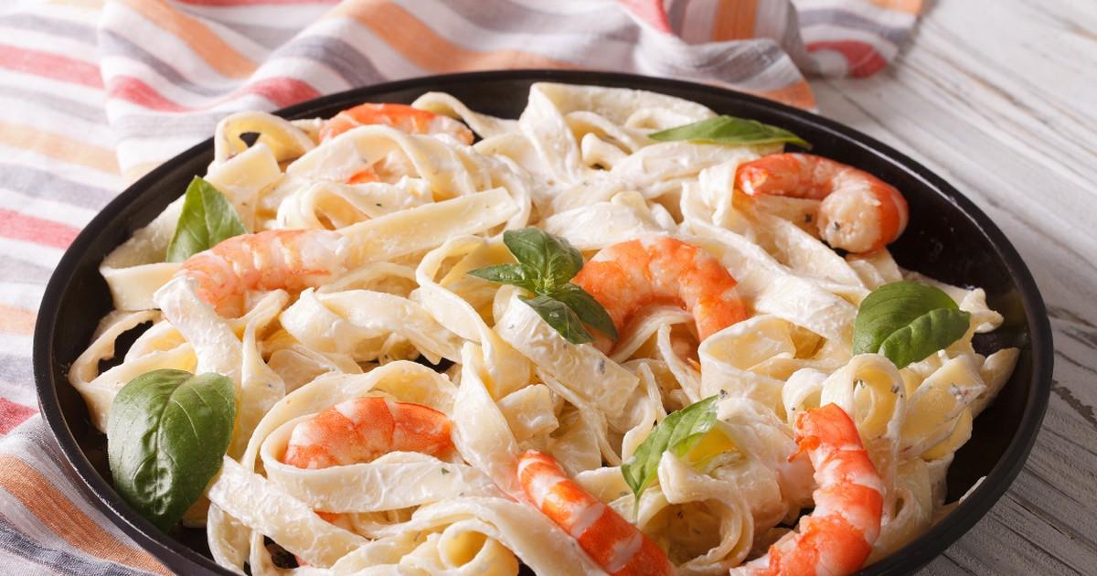 Фото Паста с креветками в сливочно-чесночном соусе