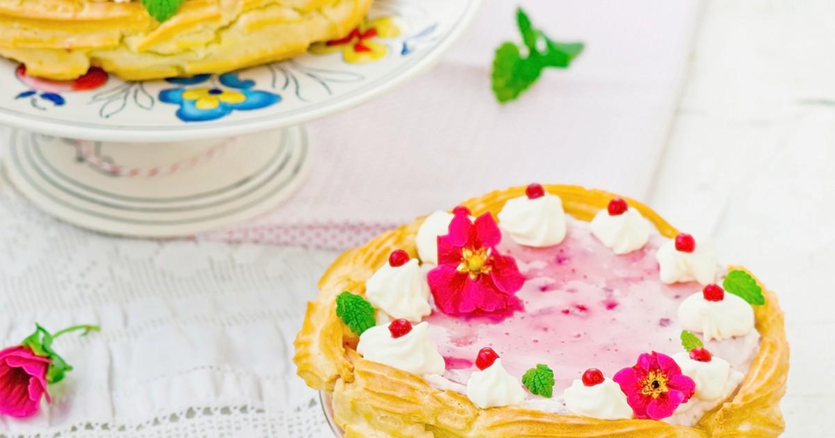 Фото Заварной торт с ягодно-творожным кремом