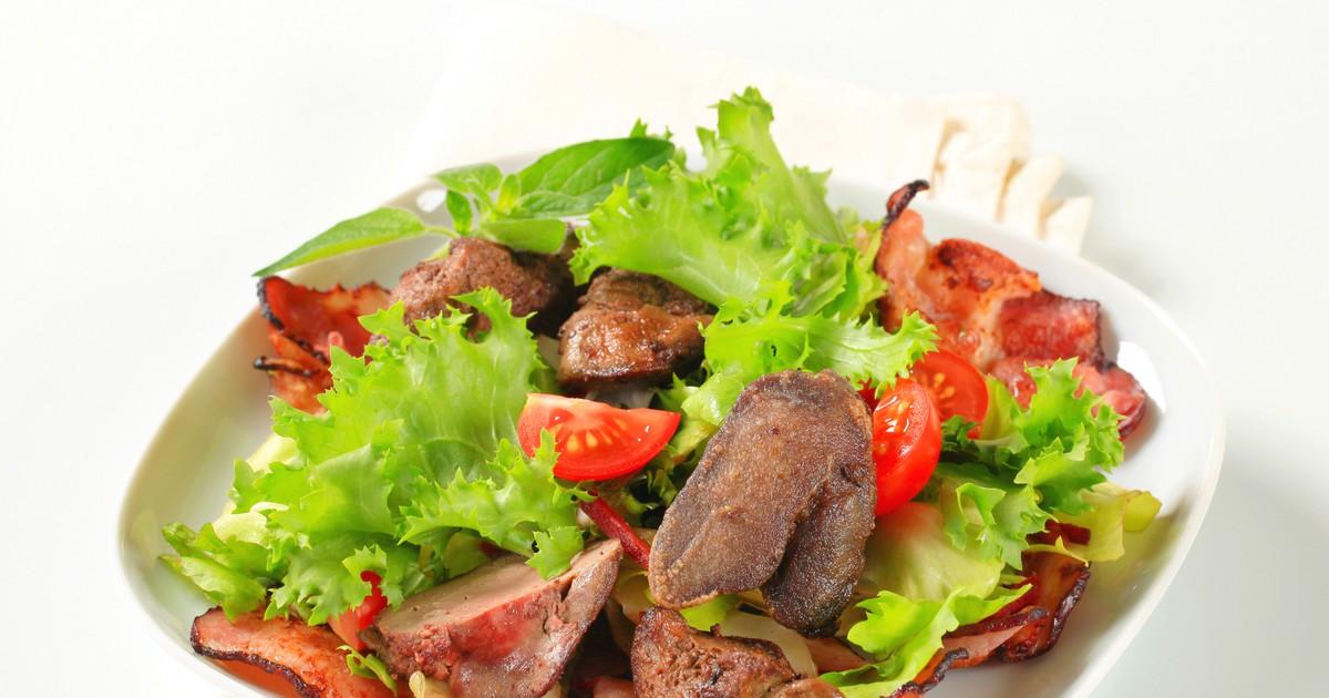 Фото Салат из куриной печени и овощами