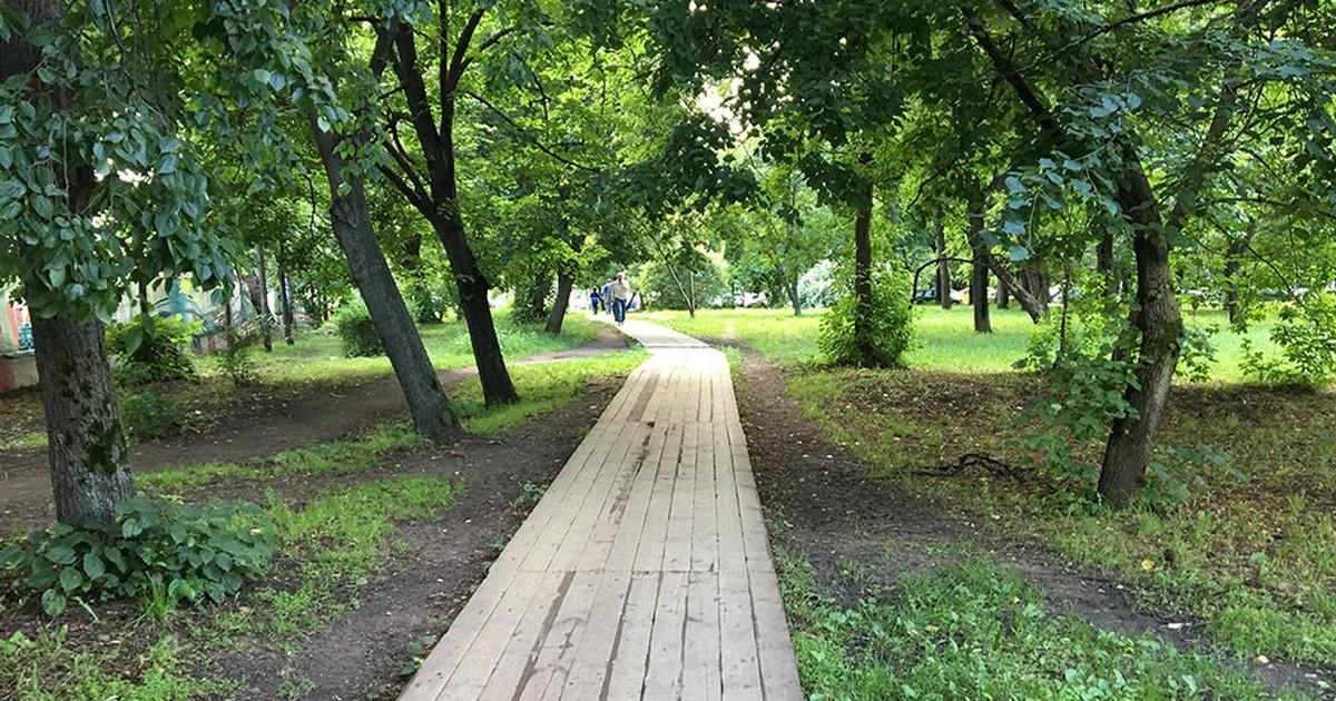 Фото Я считаю, что деревянные тротуары - гениальнейшее изобретение человечества.  Москва:  Архангельск:  Лондон:  Не нужно стесняться дерева, это охуенный материал.