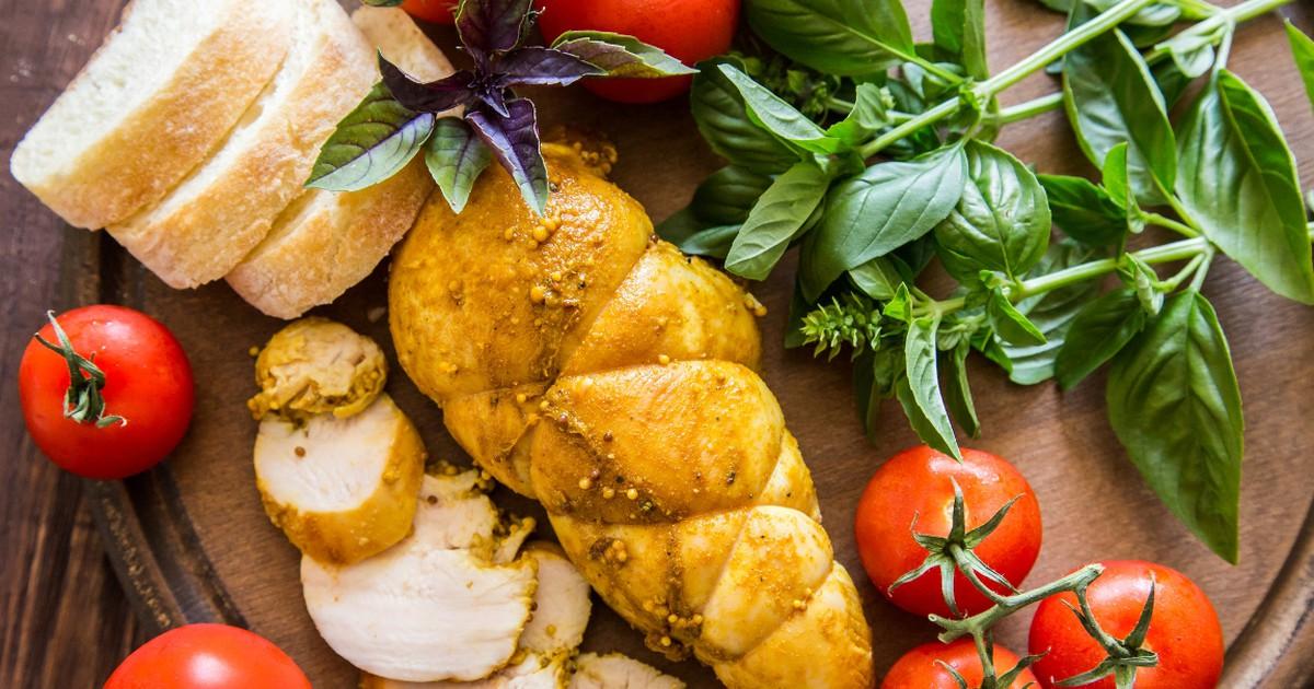 Фото Домашняя куриная пастрома с медом и горчицей