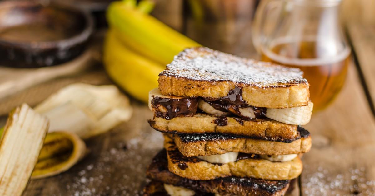 Фото Домашние тосты с бананом и шоколадным кремом