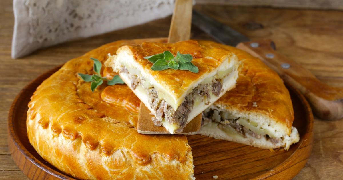 Фото Сытный пирог с мясом и картофелем для всей семьи