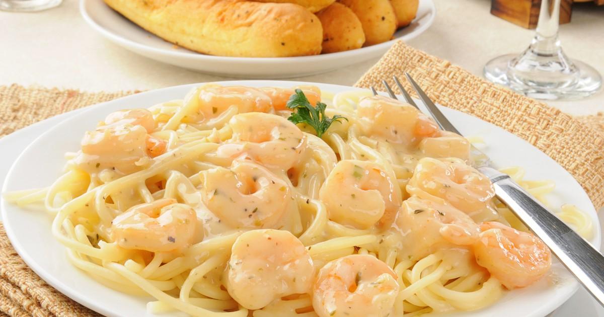 Фото Вкуснейшая паста с креветками и сыром