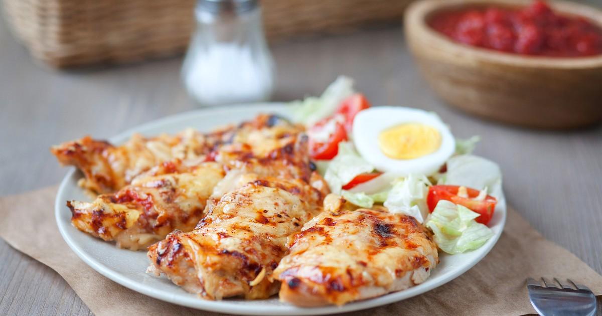 Фото Куриное филе с сыром: вкусный белковый ужин!