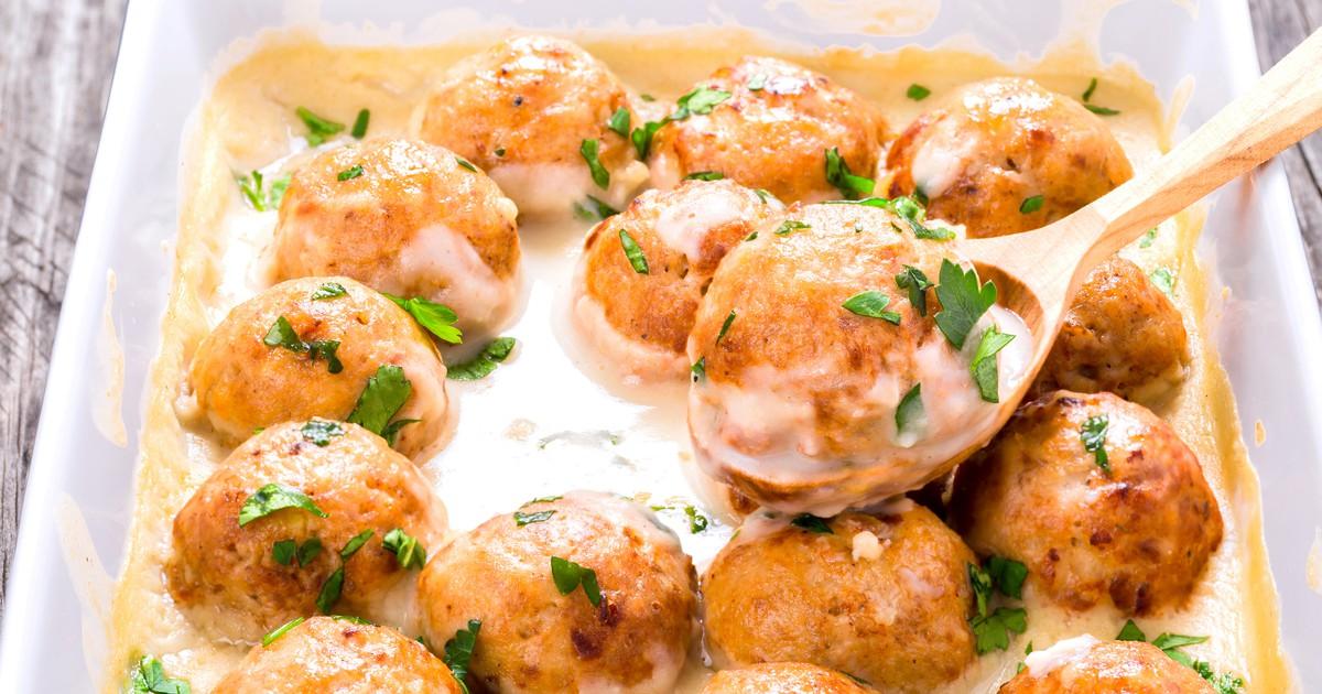 Фото Куриные шарики в сливочно-сырном соусе