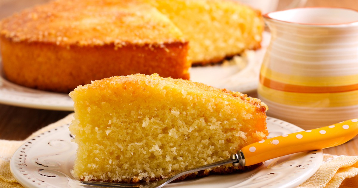Фото Этот необычный пирог получается вкусным, нежным и очень пышным. Приготовить его можно в любое время года и к праздничному столу, и к семейному чаепитию.