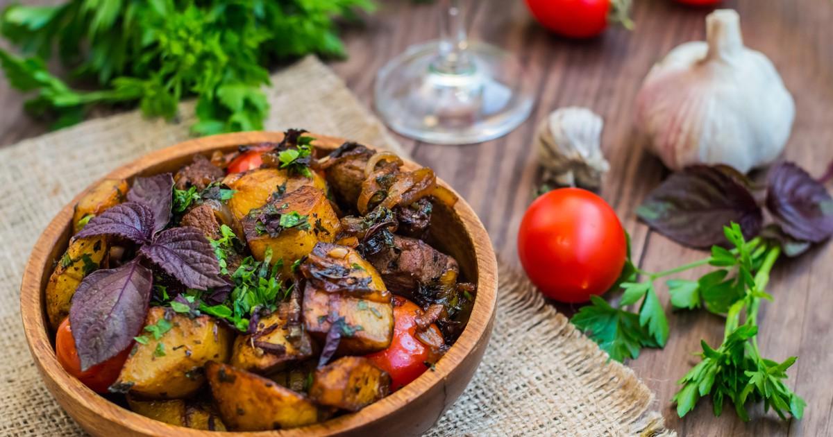 Фото Оджахури из свинины с картофелем