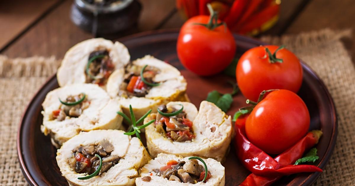 Фото Аппетитные куриные рулетики с грибами