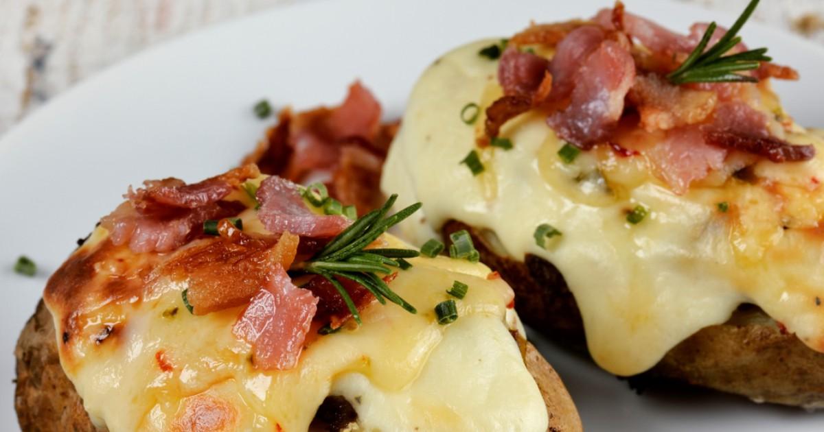 Фото Вкуснейший печёный картофель с ветчиной и сыром