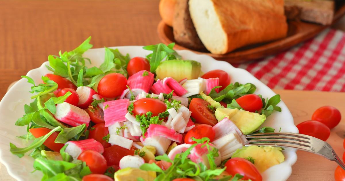 Фото Овощной салат с крабовыми палочками