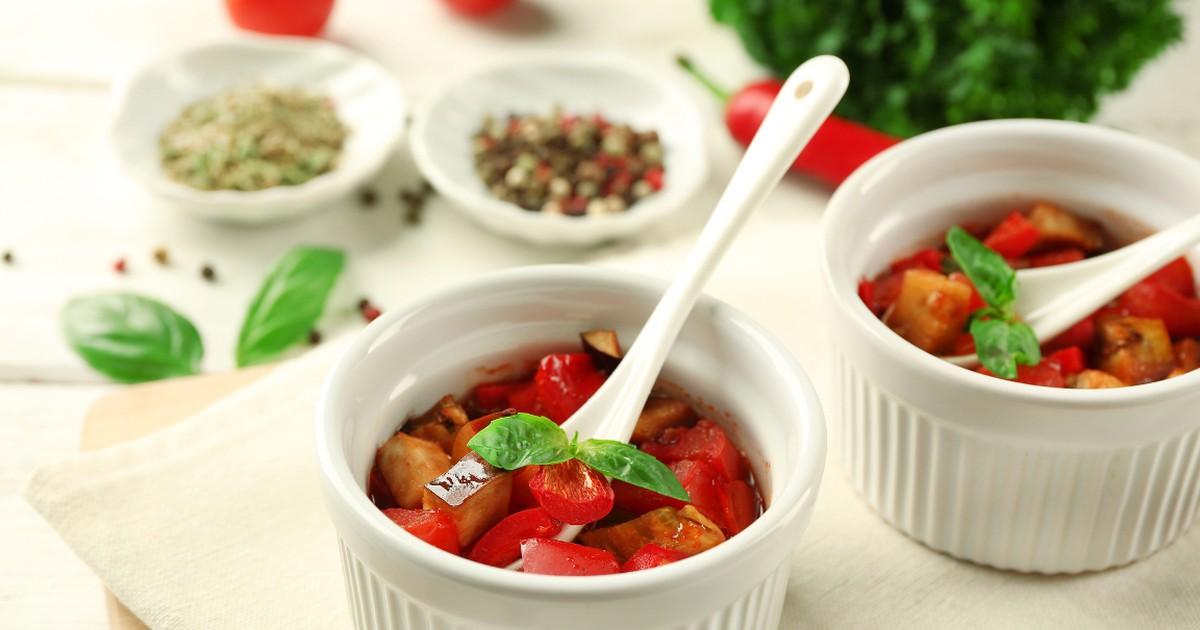 Фото Рататуй по-домашнему станет отличным вариантом обеда или ужина для разгрузочного дня, также это блюдо порадует тех, кто любит овощи.