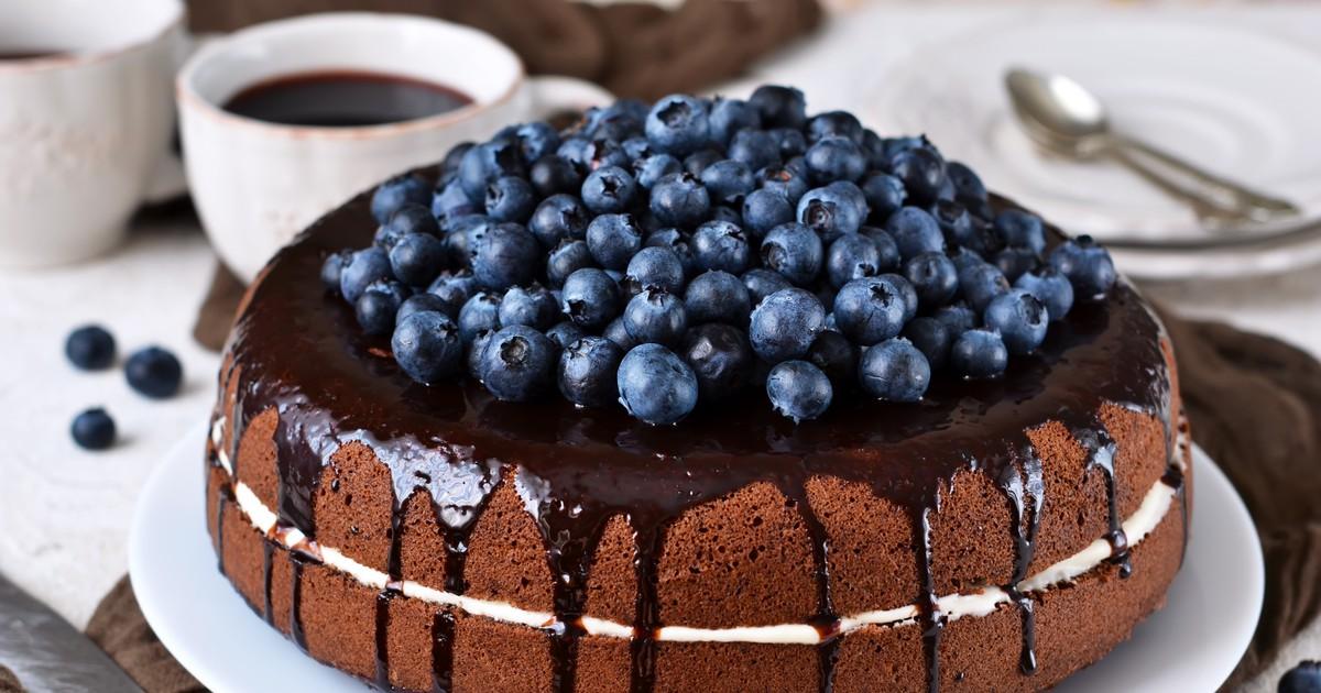 Фото Шифоновый бисквитный торт в мультиварке