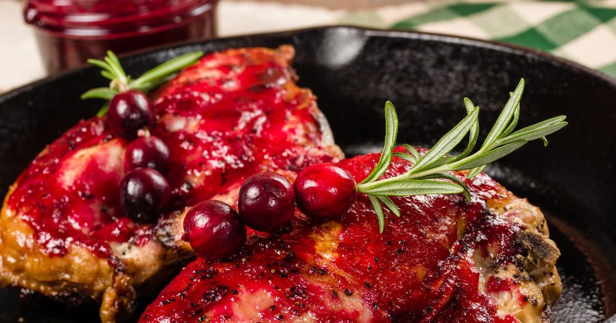 Фото Куриные грудки с клюквенным соусом