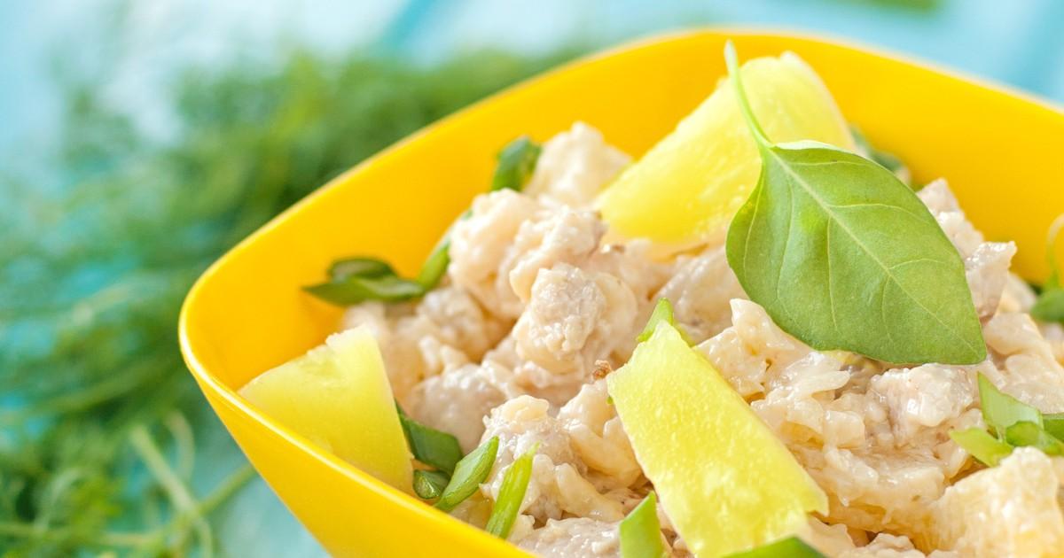 Фото Куриный салат с ананасами