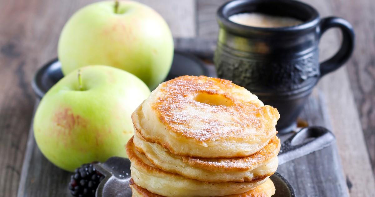 Фото Вкуснейшие яблочные оладьи