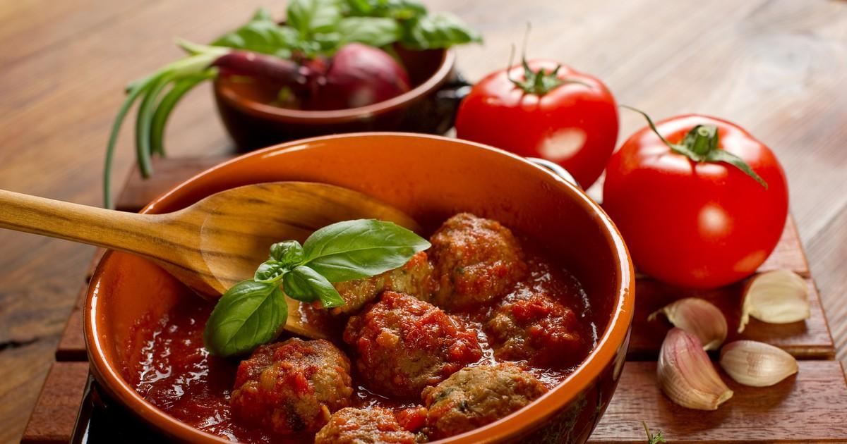 Фото Быстрые тефтели в остром томатном соусе