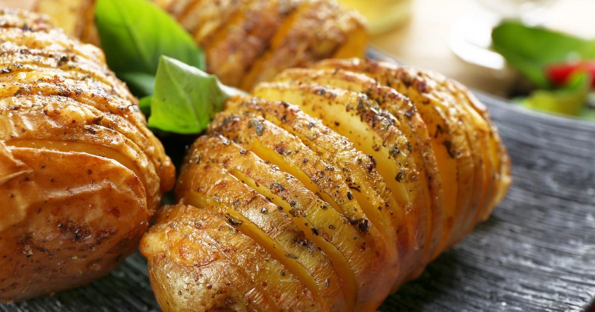 Фото Запеченный картофельный шашлык в духовке