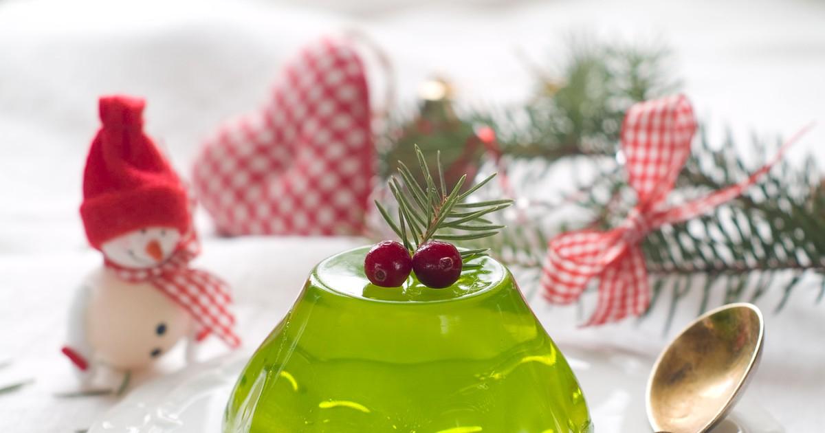 Фото Красивый и вкусный десерт к новогоднему застолью.
