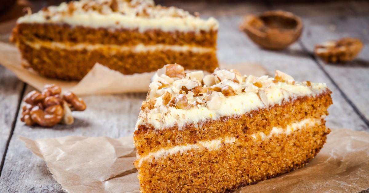 Фото Шикарный морковный торт с орехами
